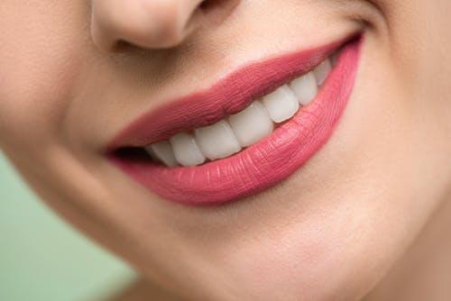 ústa zuby