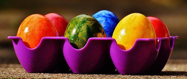 šest vajec
