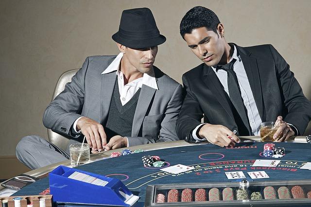 hráči pokeru